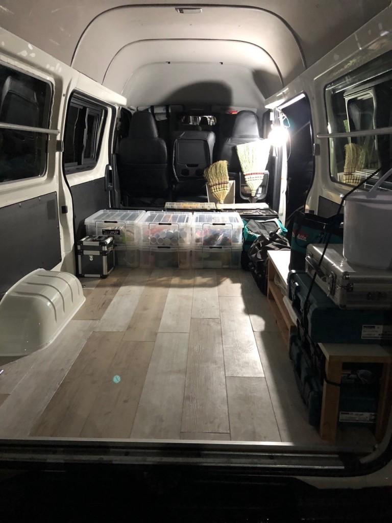 ハイエース 荷室